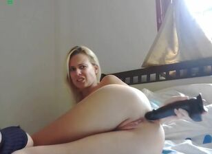 Hot blonde farting